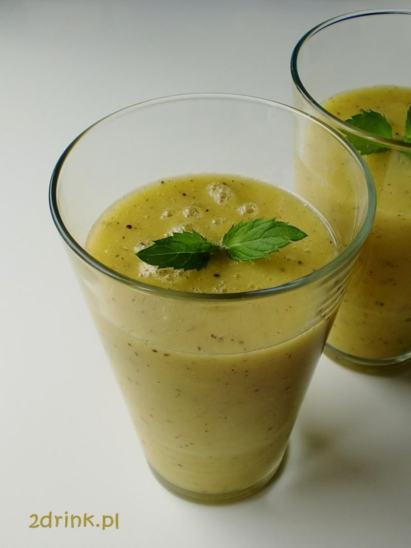 Koktajl z kiwi i ananasa z nutką mięty
