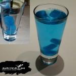 Niebieski gin z tonikiem