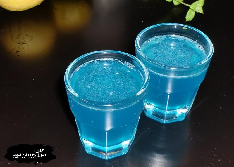 sour drinks kamikaze shot