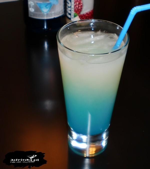Smerf w czapce (drink z białym Frugo)
