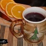 Grzaniec (grzane wino) z migdałami i pomarańczą