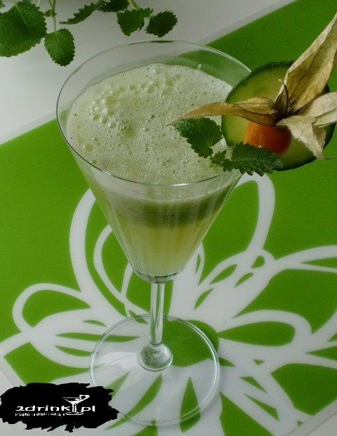 Ogorkowy smoothie z melisa2