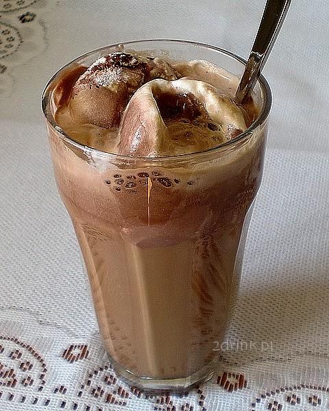 Kawa z lodami i Baileysem