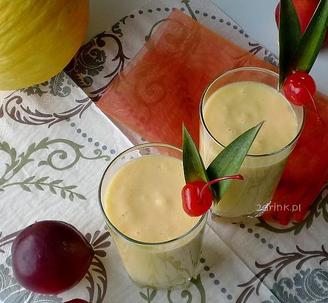 shake ananasowo-migdalowy