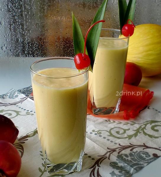 Shake ananasowo-migdałowy