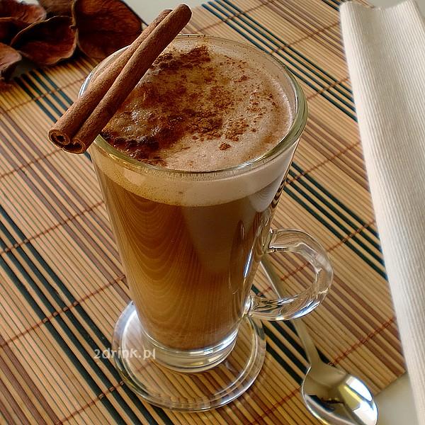 Cynamonowe latte z czekolada