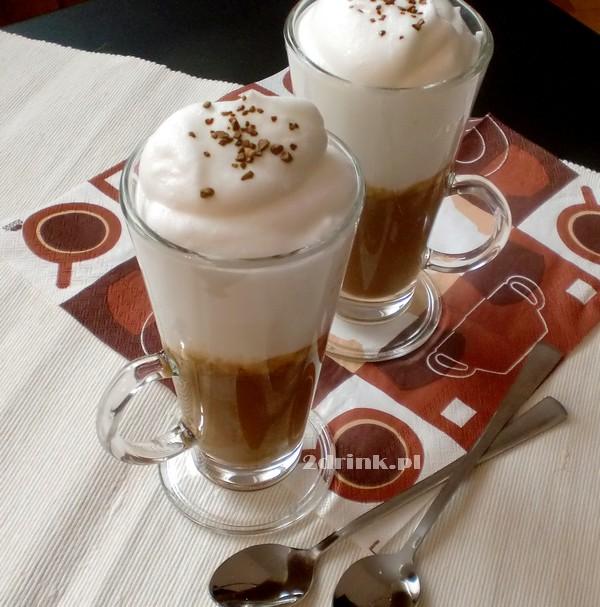 Kawa na białej czekoladzie