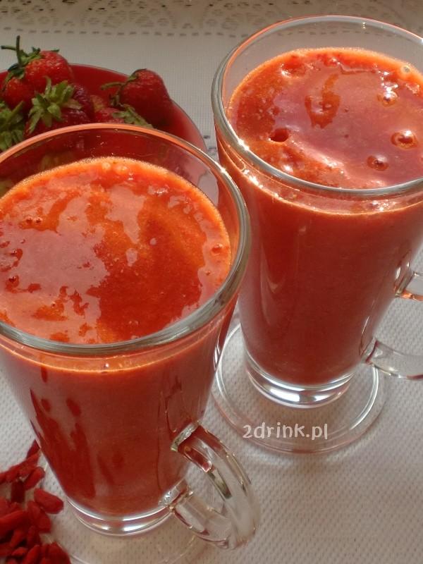 Smoothie truskawkowe z jagodami goji