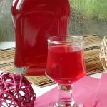 Likier truskawkowy na winie