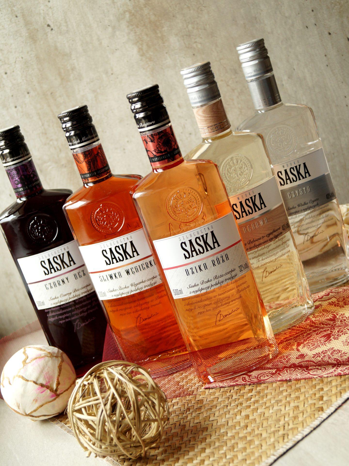 Drinki z wódki smakowej – z czym łączyć smakowe alkohole?