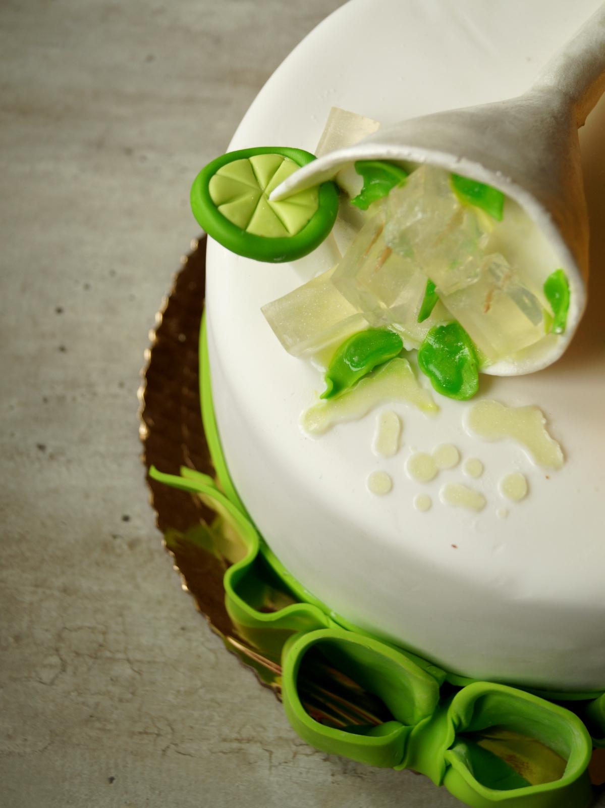 Drinki na Dzień Kobiet i słodkie inspiracje (25 pomysłów) + niespodzianka!